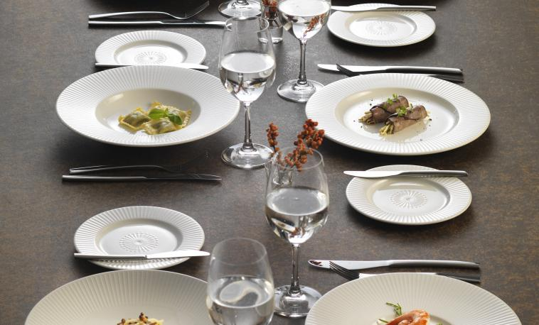 distinction-restaurant-catering-crockery-willow